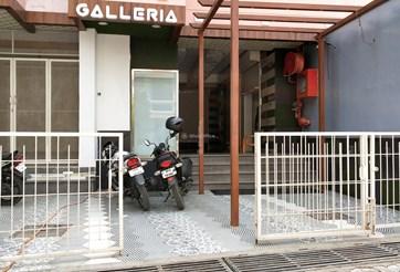 Shop prop gallery